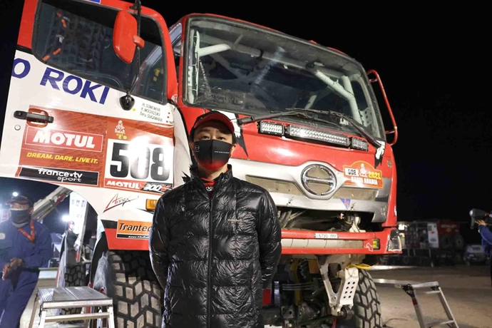 Hino Team Sugawara have successfully completed the difficult first half of the Dakar Rally 2021