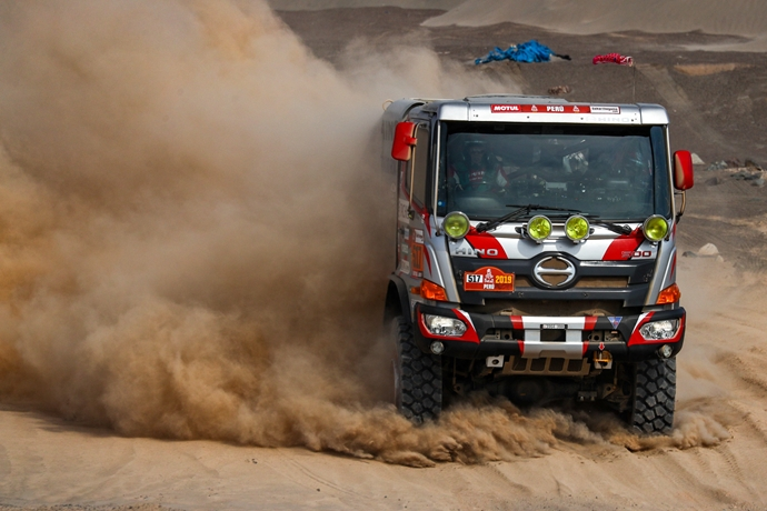 No. 2 Car hangs on in the battle of the desert dunes at the Dakar Rally